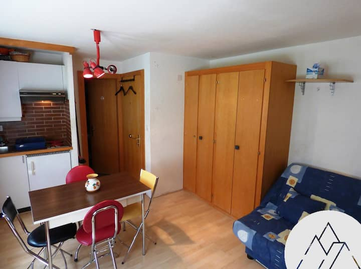 SOLEIL 2000 A 109 - Studio for 2 people, located in the center of Chandolin.