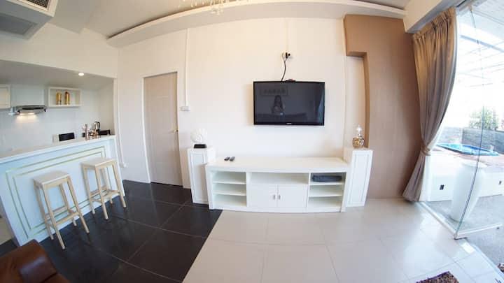 La villa (2 bedrooms and 3 bathrooms) located