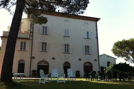 Villa Mimosa, Relax in Nature - Lari