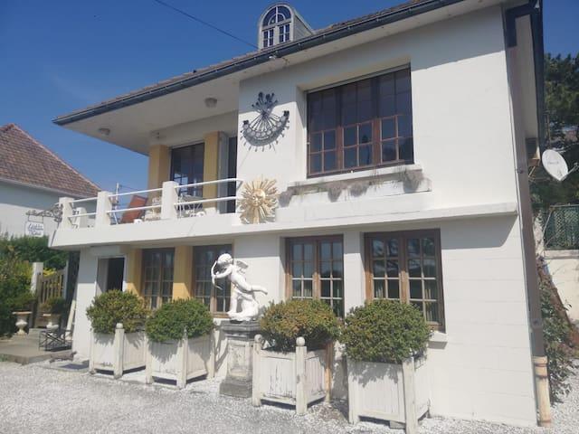 Belle Villa vue mer, au Bois de Cise pour 6 p+3 e
