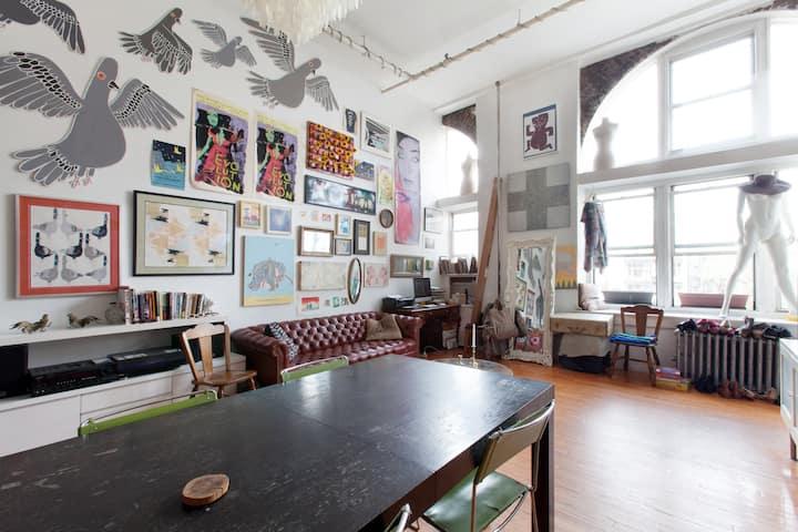 Private room in artist's loft!