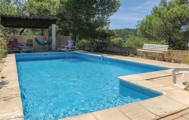 Awesome home in Pierrerue with WiFi, 3 Bedrooms and Outdoor swimming pool