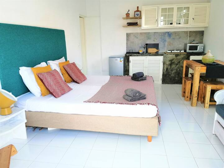 Best Location - Studio Serviced Apartment