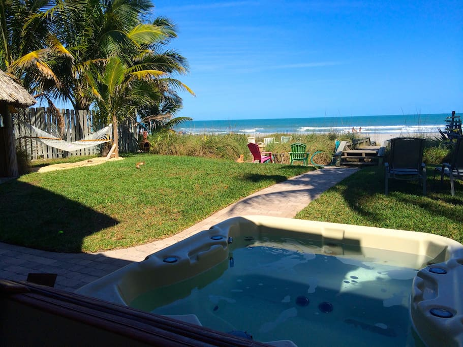 Relax in hot tub overlooking beach!