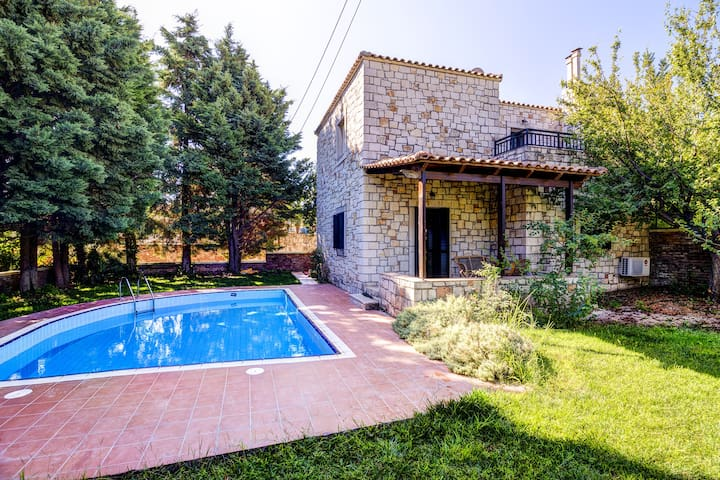Two bedroom traditional villa with private pool