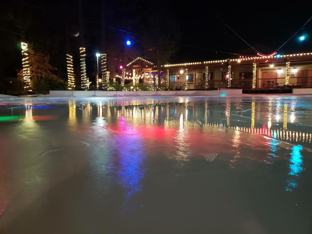 Family friendly ice-skating at the Seventh Mountain resort!