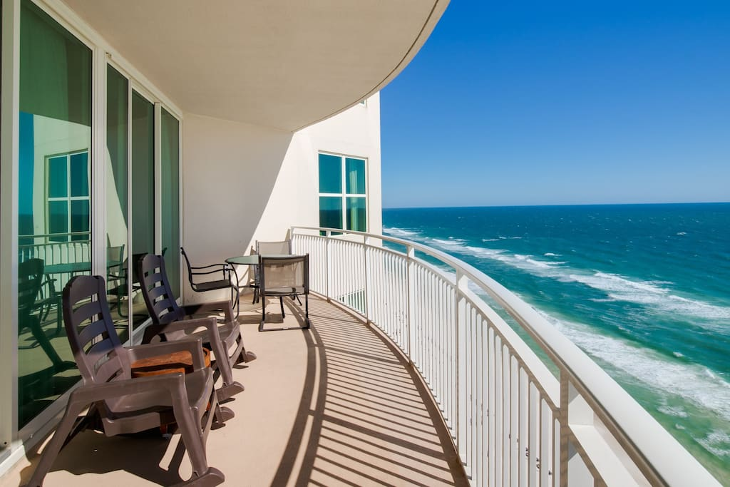 The views of Panama City Beach never end from this 21st floor vacation condo