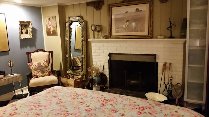 Enchanted! 1BR Apt near DCA in quiet neighborhood
