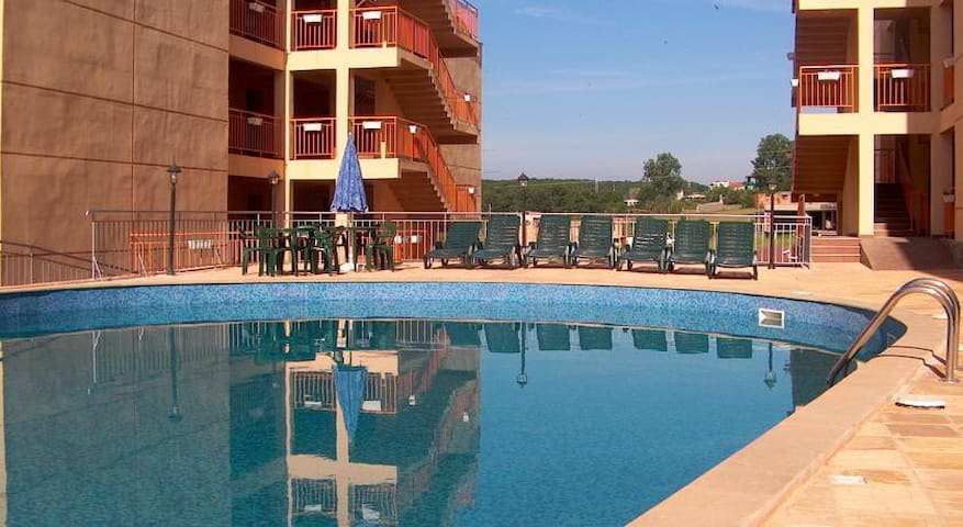 Two bedrooms apartment in Sinemorets