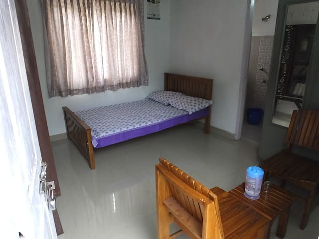 """Everest"" -Walk from Rly & Bus stns, 3km airport - Thiruvananthapuram - Huis"