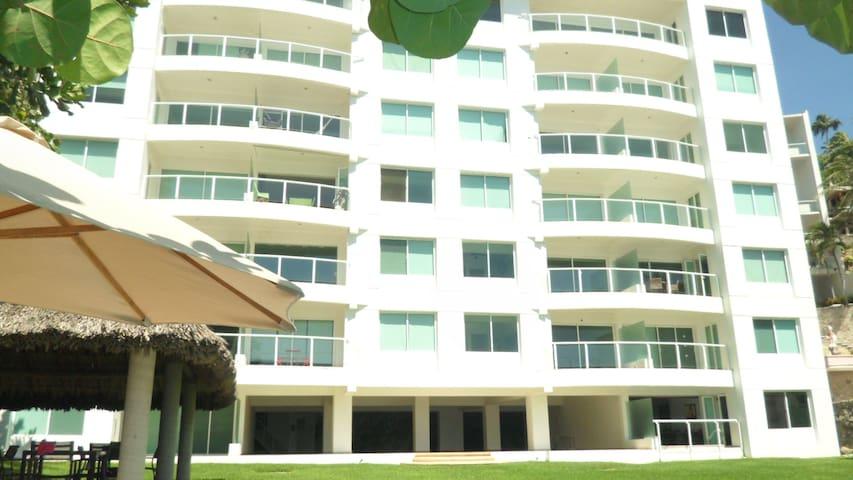 Departamento en Acapulco con playa privada