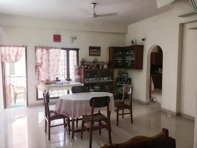 Centrally located,  fully furnished  3Bhk flat