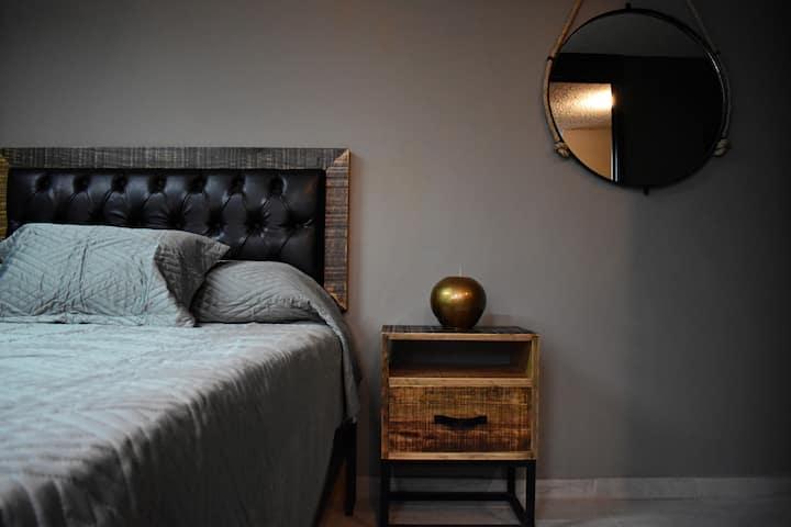Habitación confortable; Tu hogar, fuera de casa.