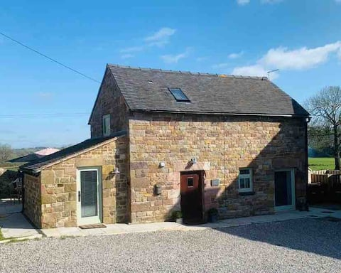 Chic cottage size 17th Century Barn Conversion