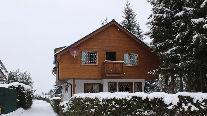 Large family lodge Kristoffer with private Sauna