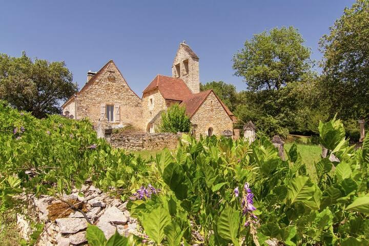 Old Church in Saint Aubin de Nabirat