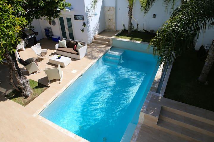 Gorgeous House Steps from Beach - San Juan - Casa