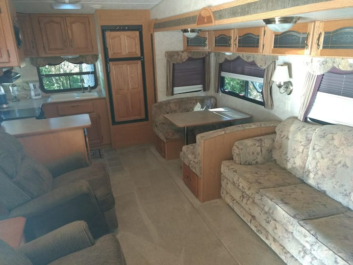 An apartment on wheels in Belfair!