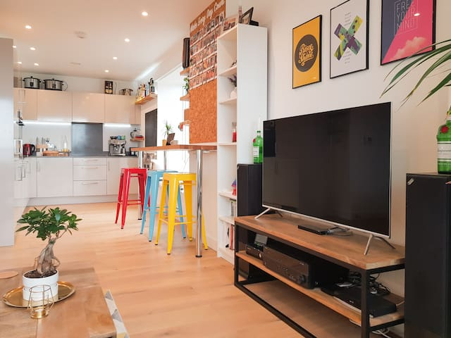 Stylish 1 bed apartment in vibrant East London