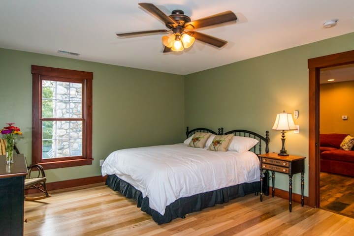 Legends BNB Lodge RM 5 $99 - Barkhamsted