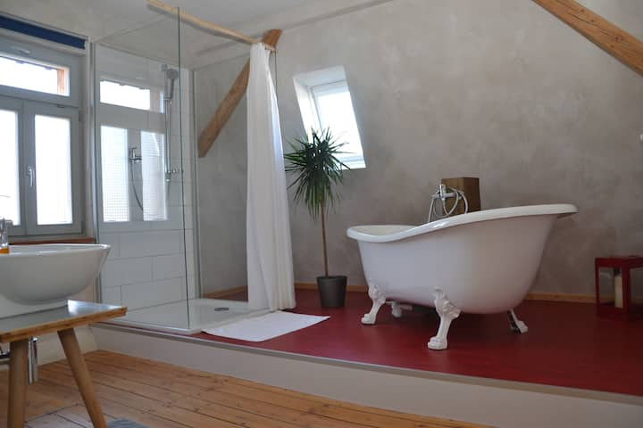 Holiday apartment with great bath