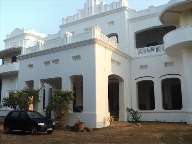 Heritage Royal Country HomeStay Palace Odisha - Dhenkanal - Pousada