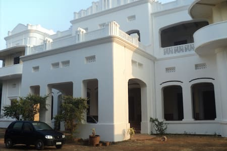 Heritage Royal Country HomeStay Palace Odisha - Dhenkanal