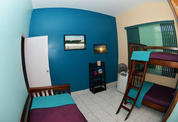 WSSM Surf House: Sunset Room - Aguadilla - Bed & Breakfast