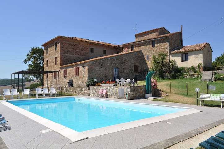pool and relax in tuscan green hills -20% in june - Radicondoli - Appartement