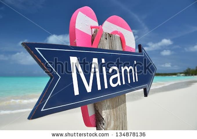 HOMESTAY IN MIAMI /GREAT-HOST-FMLY - Miami - Bed & Breakfast