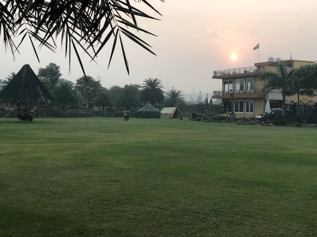 Prakash farm - entire farmhouse (16 rooms)