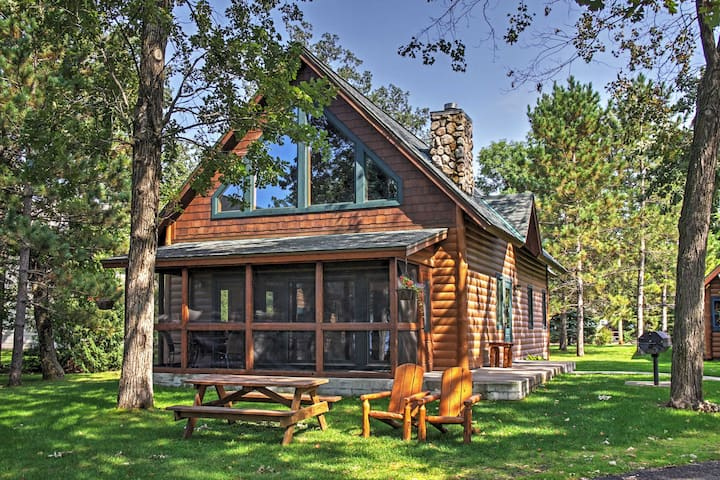Alluring Nisswa Cabin on Gull Lake w/ Fireplace!