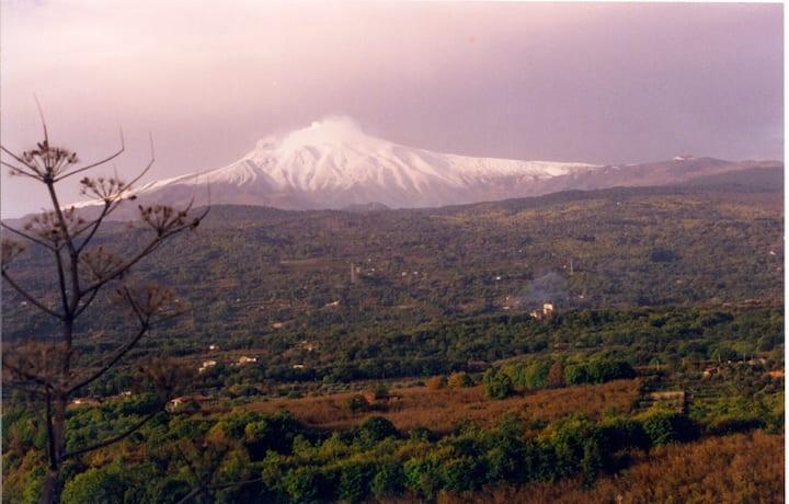 3 Queen Bed Apt@:Suite Mt ETNA-Linguaglossa-Sicily