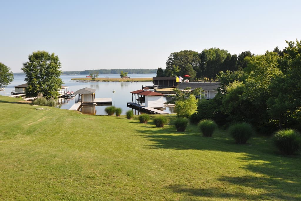 Lake anna pleasant view lake front maisons louer for Lake front view