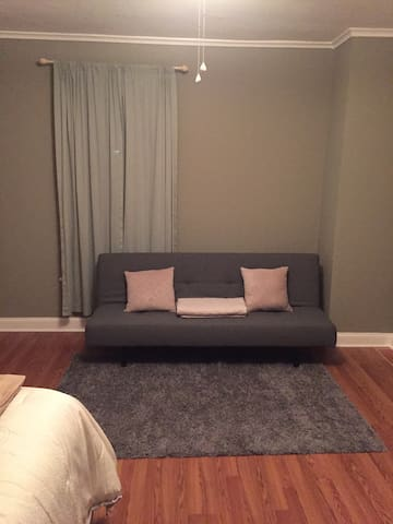 Nice private room near NYC/EWR - Linden - Huis