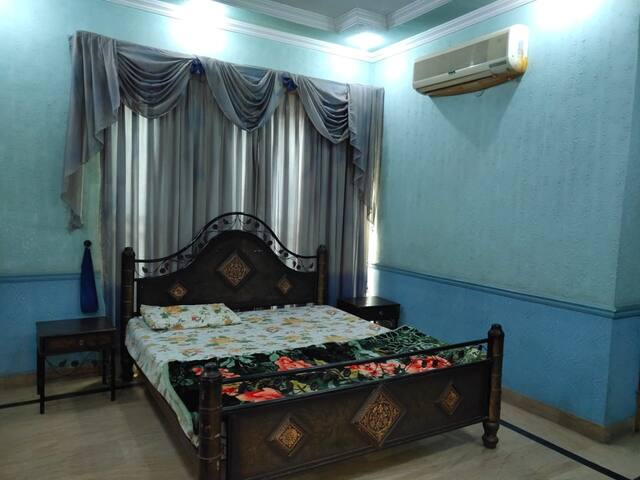 Guest's INN Lahore Family Rooms