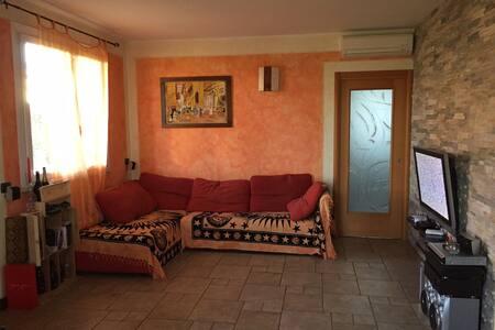 Villa con giardino e garage doppio - San Giovanni Lupatoto
