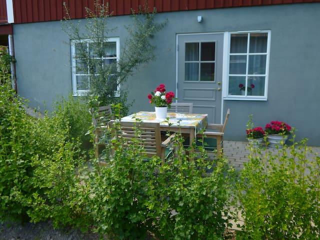 Modernt boende med privat uteplats - Leksand NV - Houten huisje