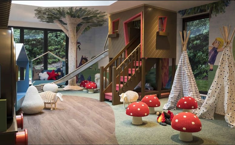 LittleGlen - 2 hours per day free access to the Childrens playroom