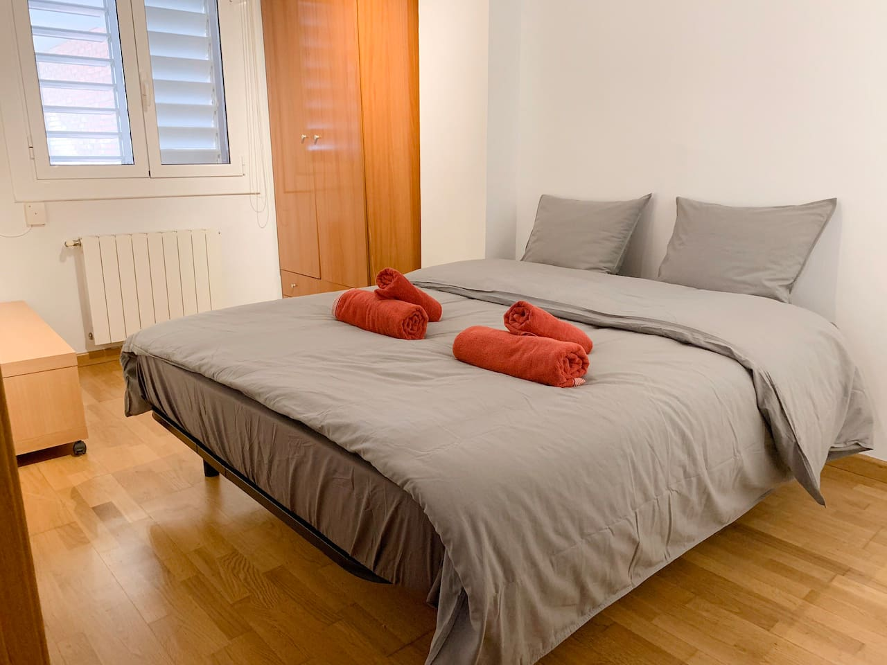 Bed size 150x190cm