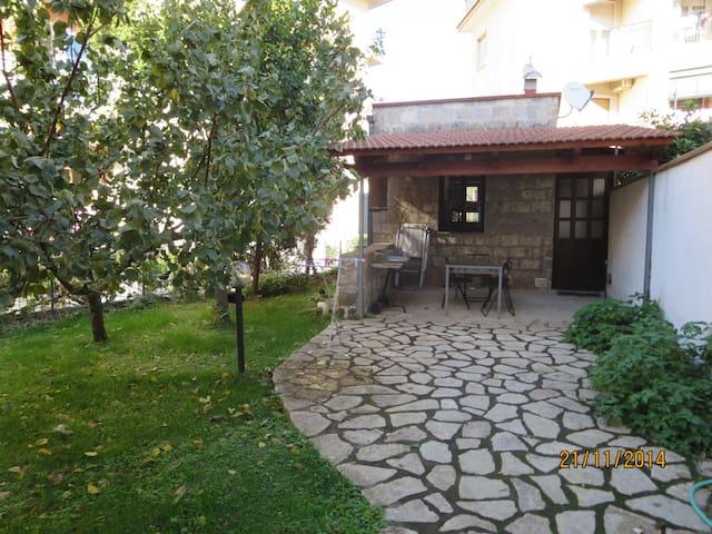 Monolocale indipendente e giardino - Sant'Agnello - House