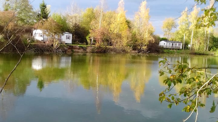 Bungalow with 2 bedrooms in Saint-Hilaire-sous-Romilly, with wonderful lake view, private pool and enclosed garden