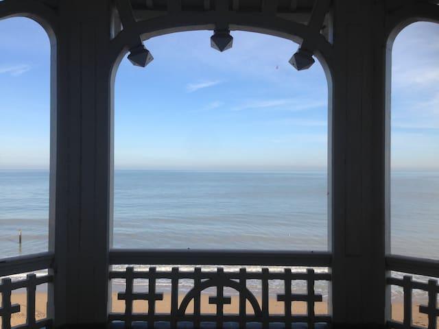Face à la mer 1er villa la loggia - Saint-Aubin-sur-Mer - Byt