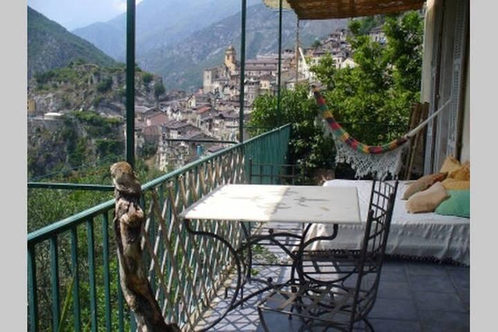 chambre + terrasse chez l'habitant  vue riviere