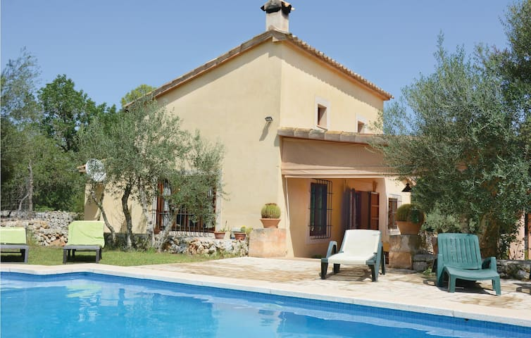 Holiday cottage with 1 bedroom on 73 m² in Pina