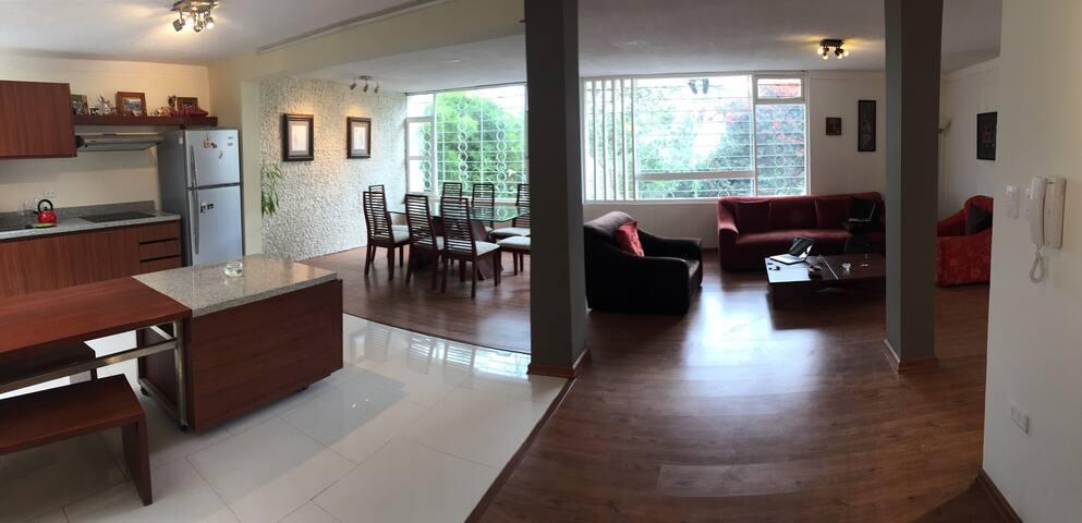 Stylish renovated! - Quito - Dům
