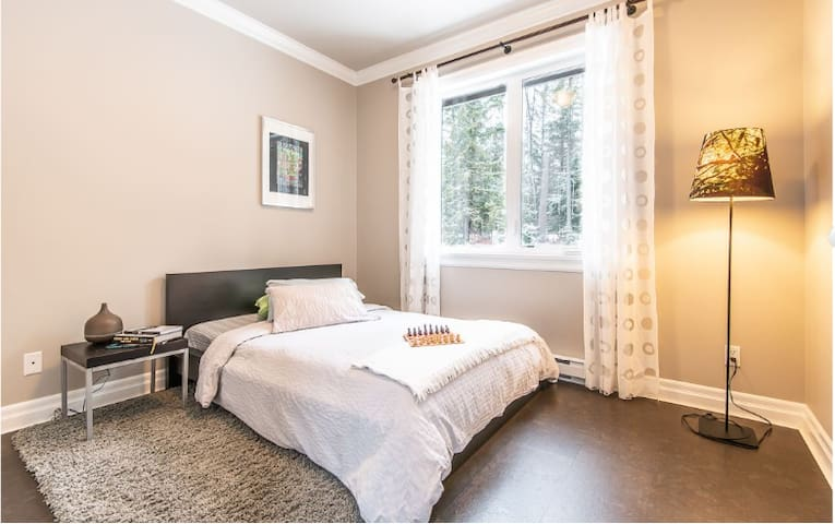 One Bedroom Suite - 30 Minutes South of Whistler