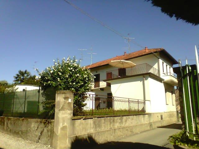 Casa con terrazzo vicino Malpensa - Somma Lombardo - Apartment