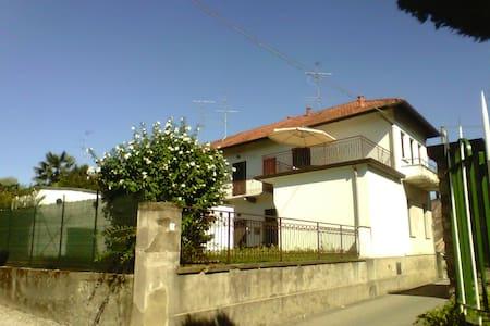 Casa con terrazzo vicino Malpensa - Somma Lombardo