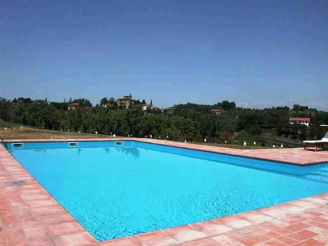 Stunning Villa in Tuscany - Cevoli - Villa